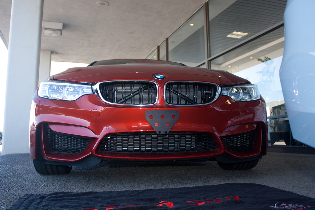 2015-2016 BMW M4 - Quick Release Front License Plate Bracket