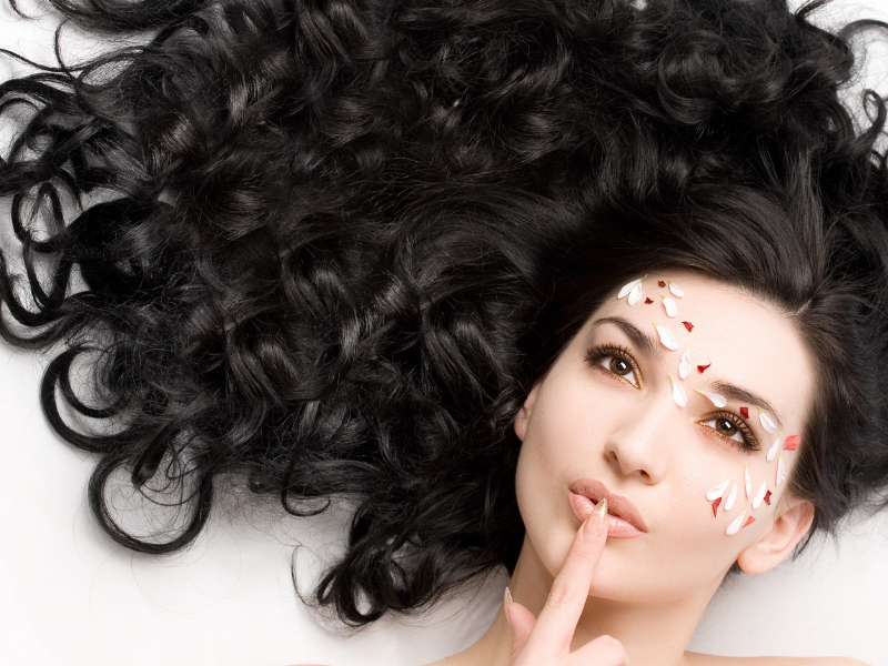 5 Natural Recipes for Thicker Healthier Hair | Beauty Wellbeing