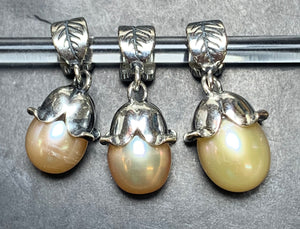 7-2 Palace of Amber - Peach Pearl Dangle 1