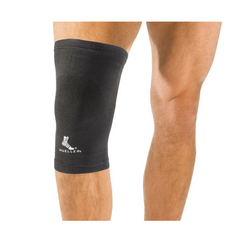 Mueller Elastic Knee support in use