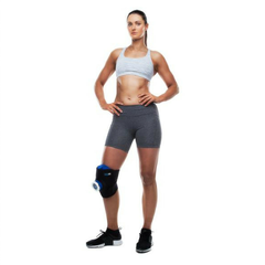 BodyICE Medium Recovery Set product -female used on knee