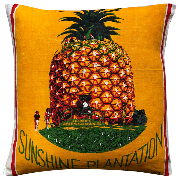 Sunshine Plantation - the BIG pineapple!