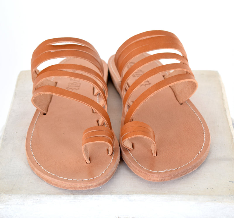 leather sandals, strap sandals with toe ring, Ancient Greek handmade leather shoes, greek style sandals, Thong sandals, Tan Sandals,
