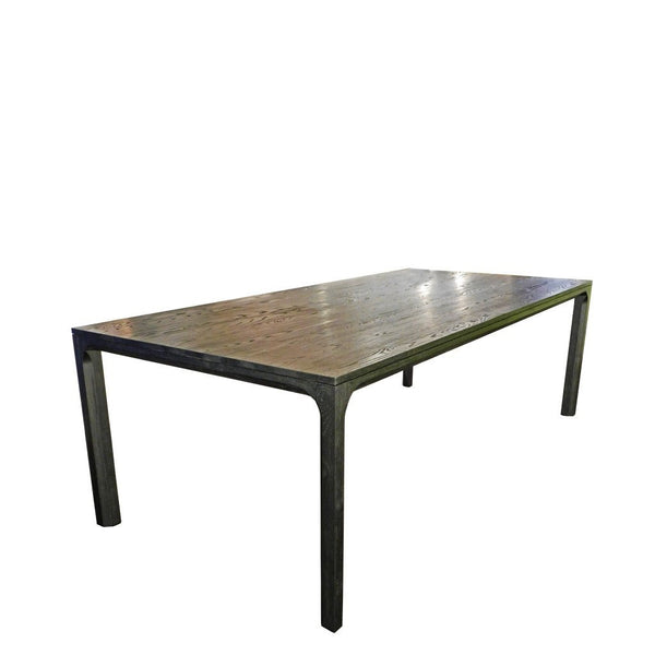 Ilusi dining table