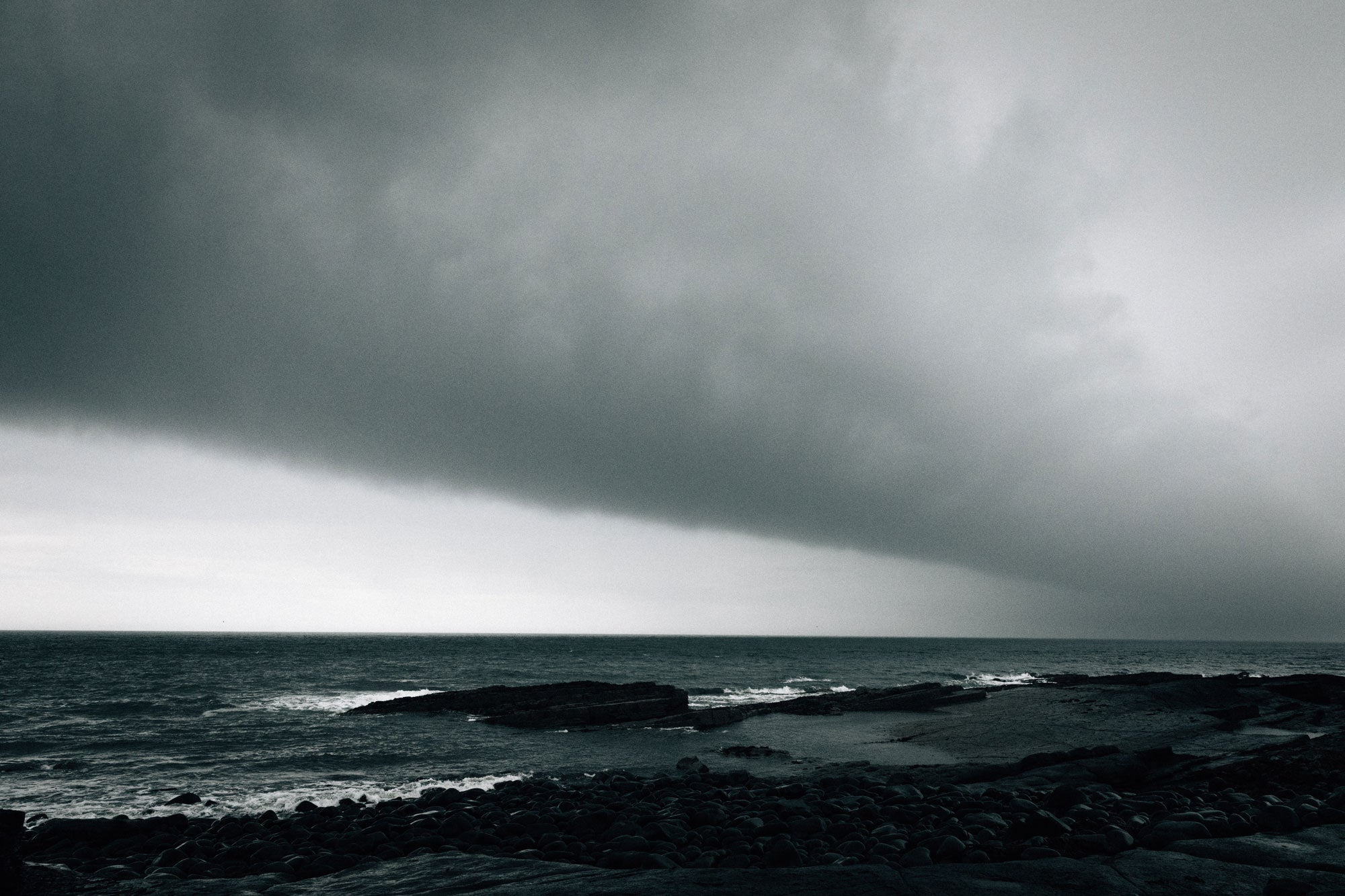 A-weather-front-looms-over-the-farne-islands