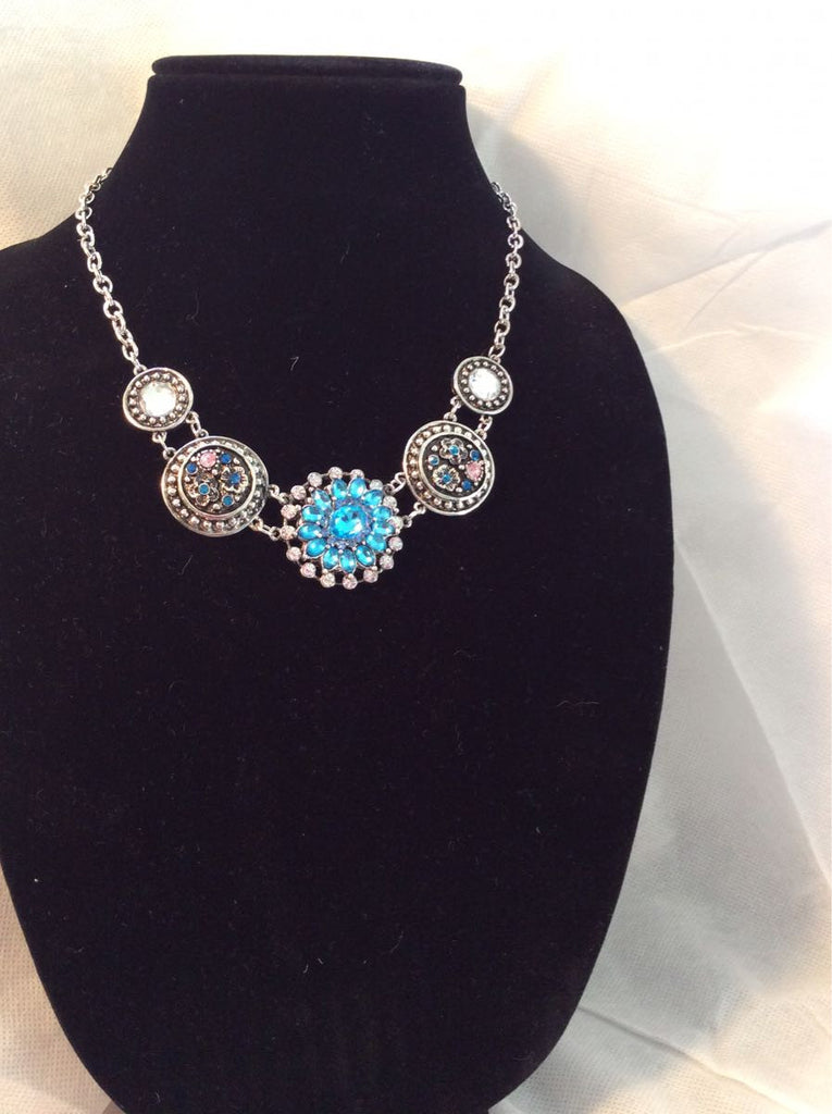 Saxon 18-24MM Chunk Snap Necklace with Rhinestones & Crystals