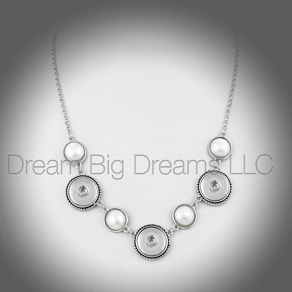 LATIN 18-24MM Chunk Snap Necklace with PEARLS