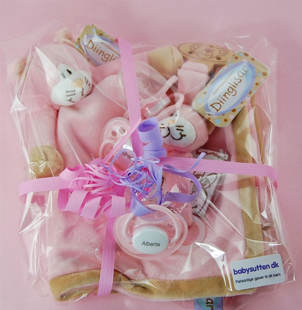 PERSONAL GIFT PACK 5 GIRL: 1 NOSE CLOTH CAT, 1 SUTTE CHAIN CAT, 3 PINK NIP SUTTER WITH NAME - PetitePeople