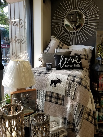 Northern Moose Quilt + Shams
