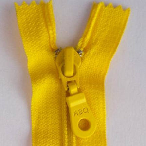 "Bag Zipper in Maize, Zipper, Among Brenda's Quilts, 14"" - Mad About Patchwork"