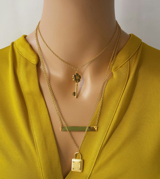 Three Layered Necklace in Gold