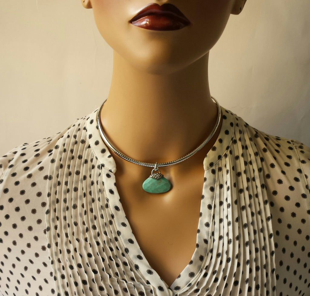 Choker with Turquoise Pendent