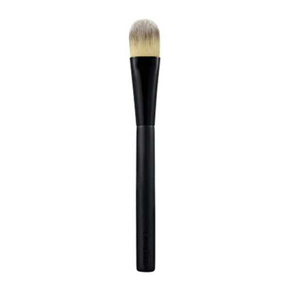The Professional Foundation Brush