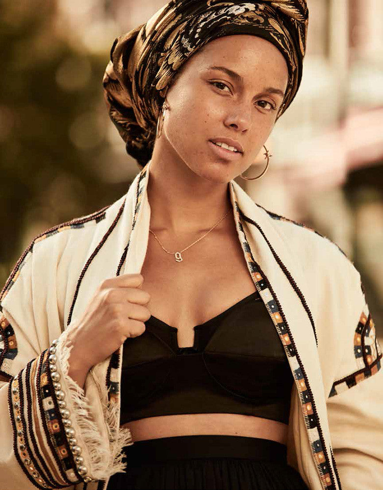 Alicia Keys makeup by Dotti using MV Organic Skincare