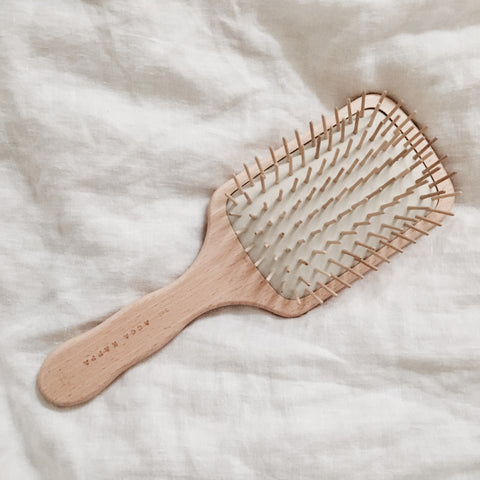 TIMBER PADDLE BRUSH