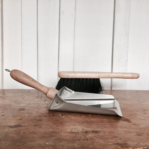 DUSTPAN & BROOM NO.01