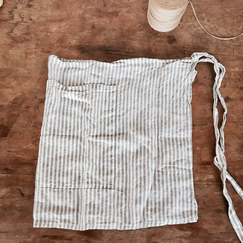 STRIPED LINEN HALF APRON