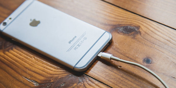 YOU'RE KILLING YOUR IPHONE WITH THESE 7 CHARGING MISTAKES