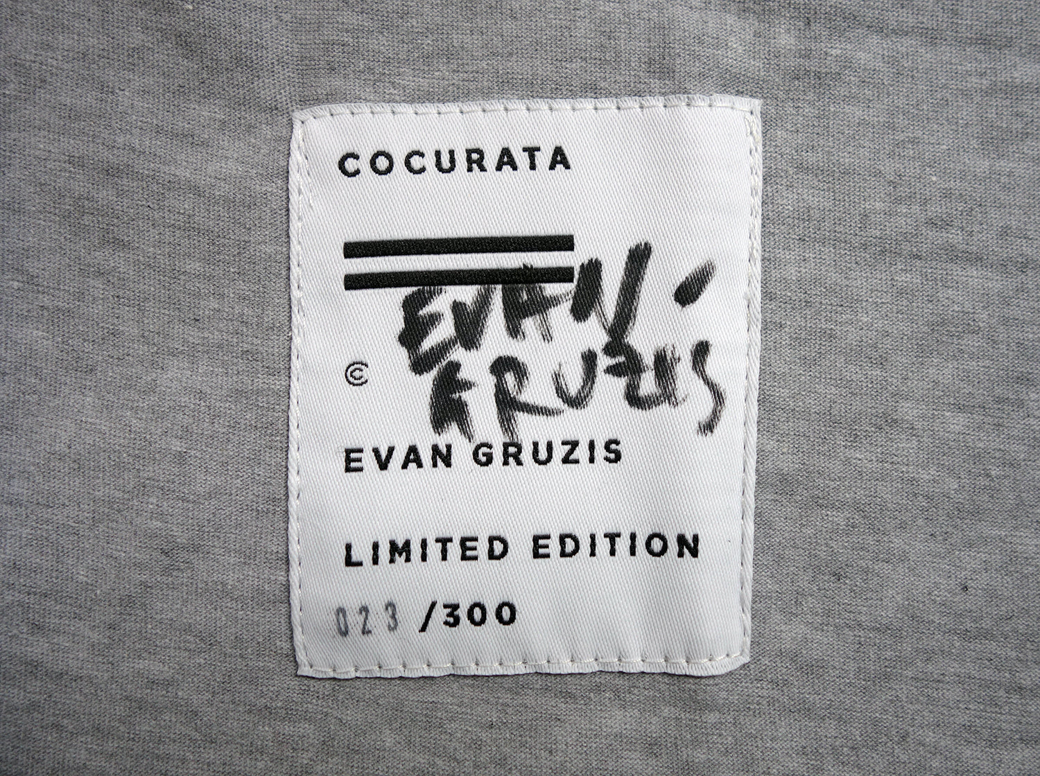 COCURATA RESORT 16 VISIONQUEST EVAN GRUZIS 1 OF 1 AUTOGRAPH TEE new york george benias george gorrow art fashion denim t-shirt tee knit scarf paul insect bast trudy benson misaki kawai donald baechler rostarr evan gruzis matt jones steve more michael dotson brian willmont josh reames デニム ブランド 通販 ニット パーカー パンツ Tシャツ スカート ドレス メンズ レディーズ アート 芸術 美術 ファッション 洋服