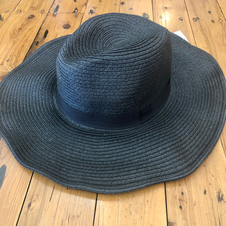 Black ladies wide brim sun hat