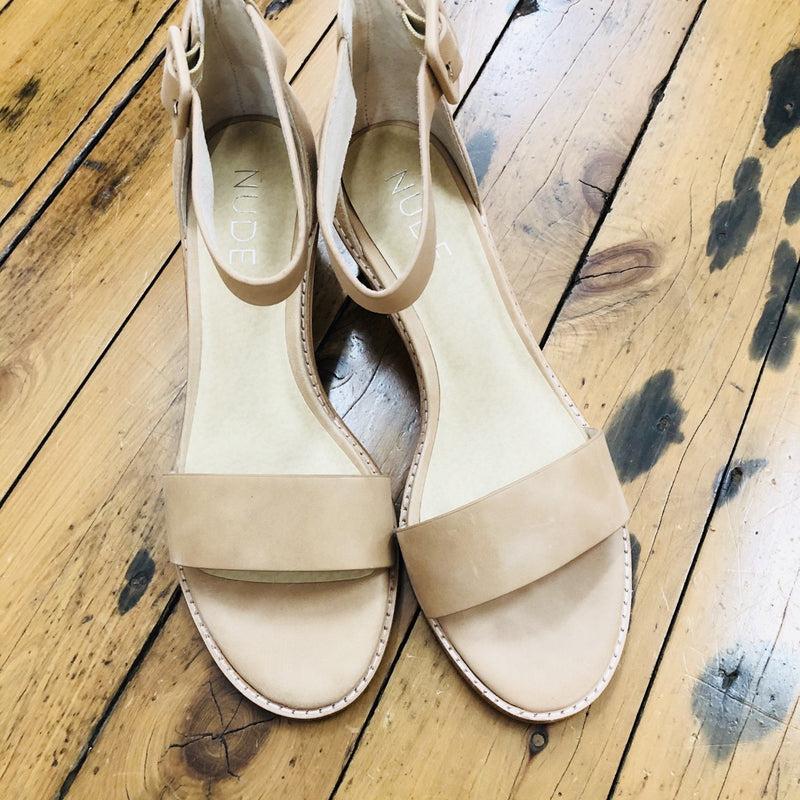 Nude stacked sandal