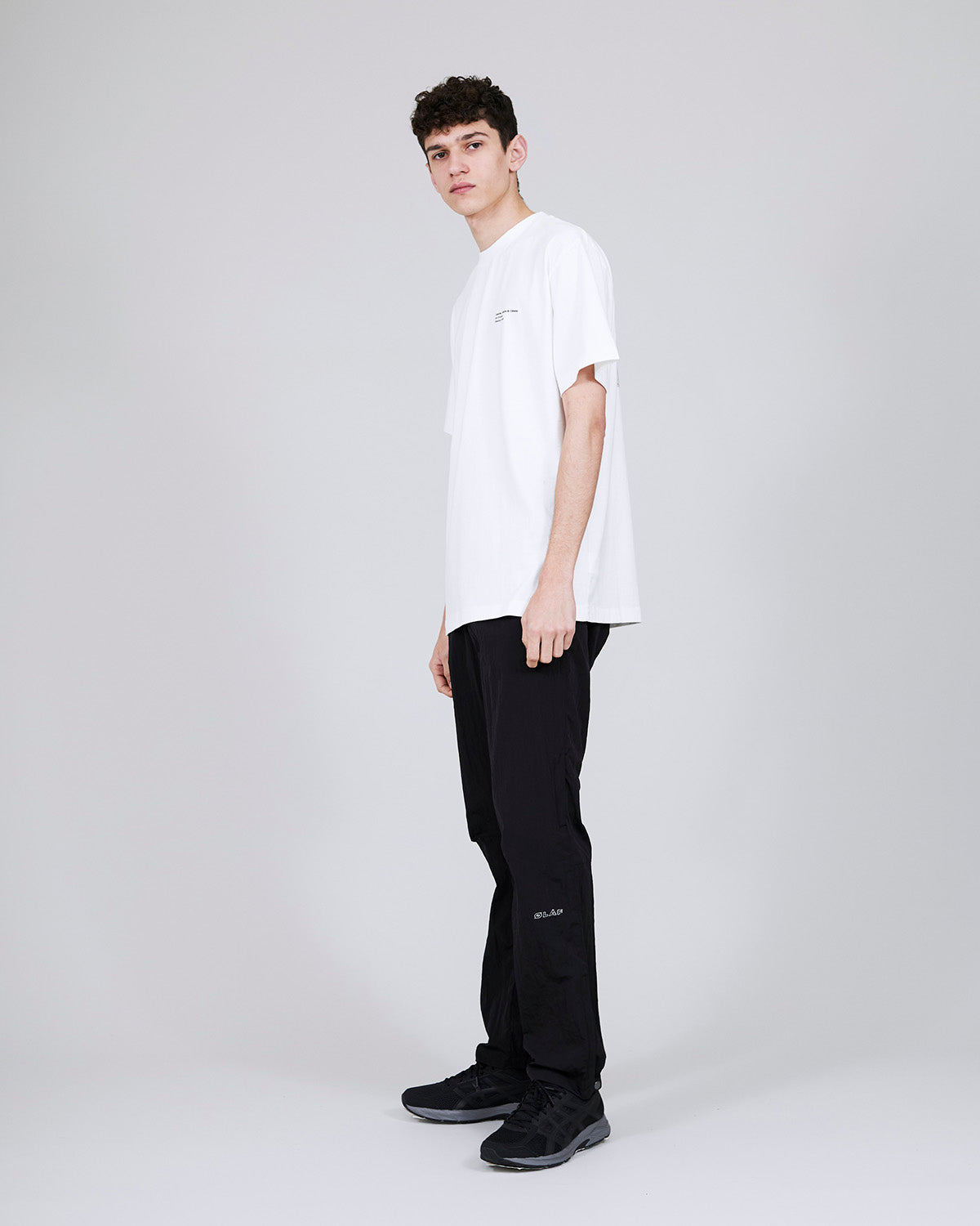 ØLÅF x Halal T - Jane Stockdale White, Portuguese fabric, 100% cotton (220 grams/sqm), Post wash, Fine ribbed collar, Made in Portugal