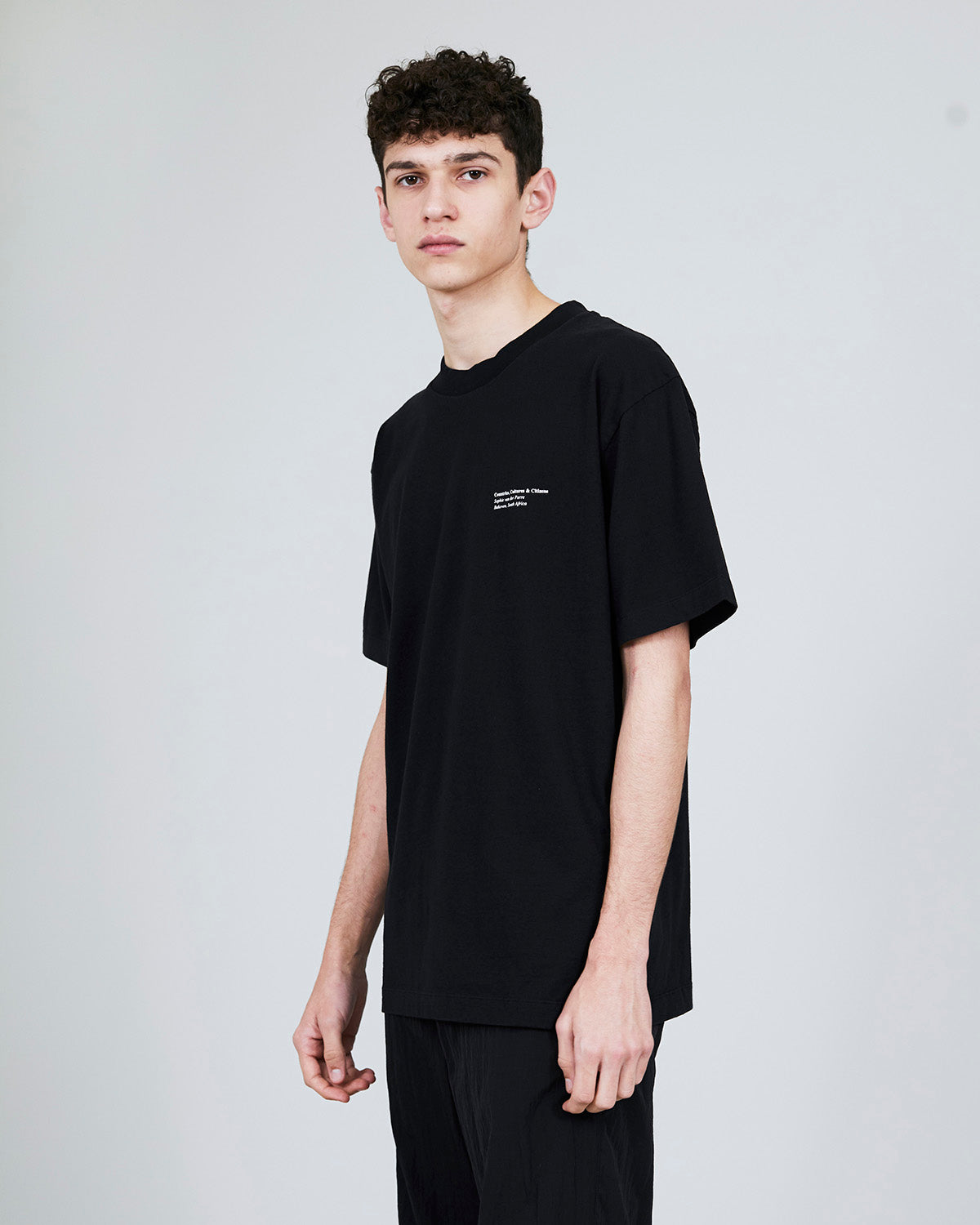 ØLÅF x Halal T - Sophie van der Perre Black, Portuguese fabric, 100% cotton (220 grams/sqm), Post wash, Fine ribbed collar, Made in Portugal