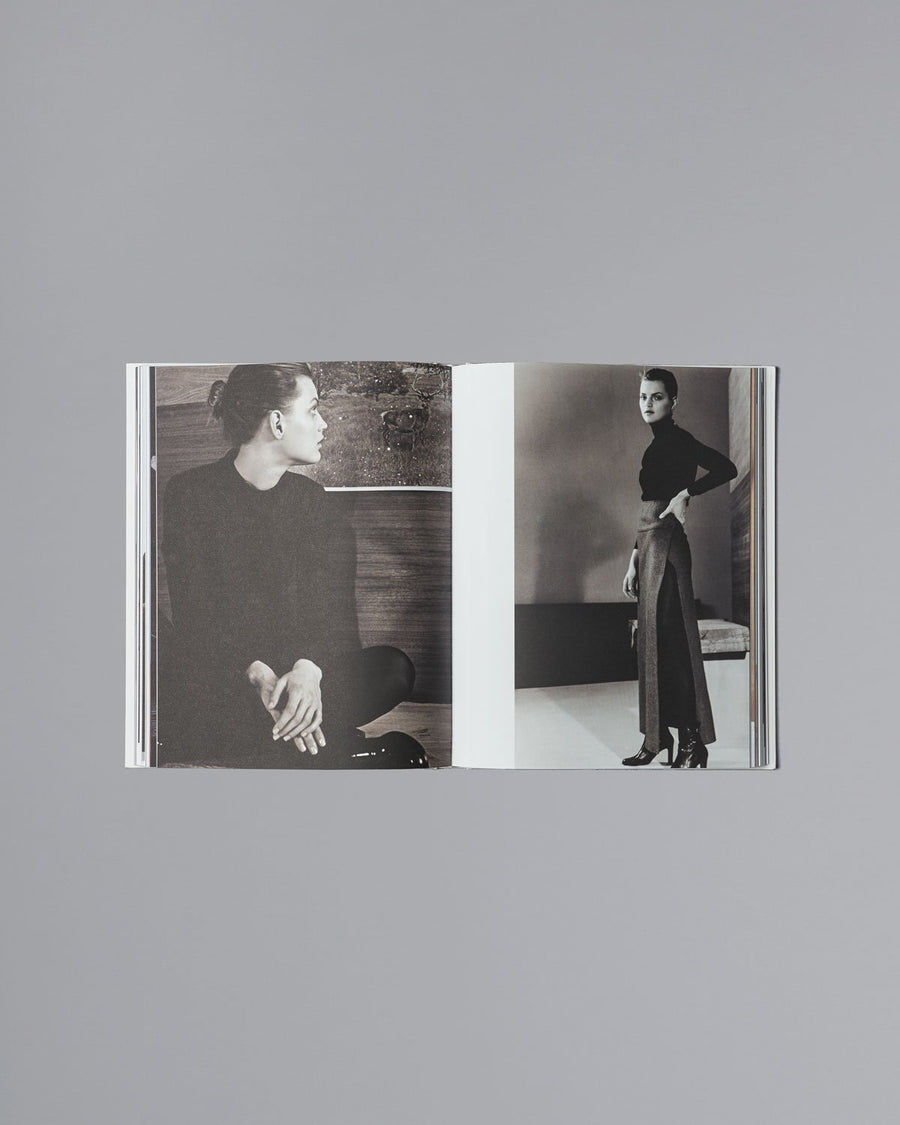 Present tense Jil Sander Mendo Book - Jill sanders is known for designing well sculptured, high-quality clothes in subdued colors. This book presents her work from the late 60's to 2014, showcasing the designer's ingenuity and creative power, who aimed at underlining a person's personality. Jil Sander's vision has had a large impact on aspects of fashion, product design, advertising campaigns and store architecture.