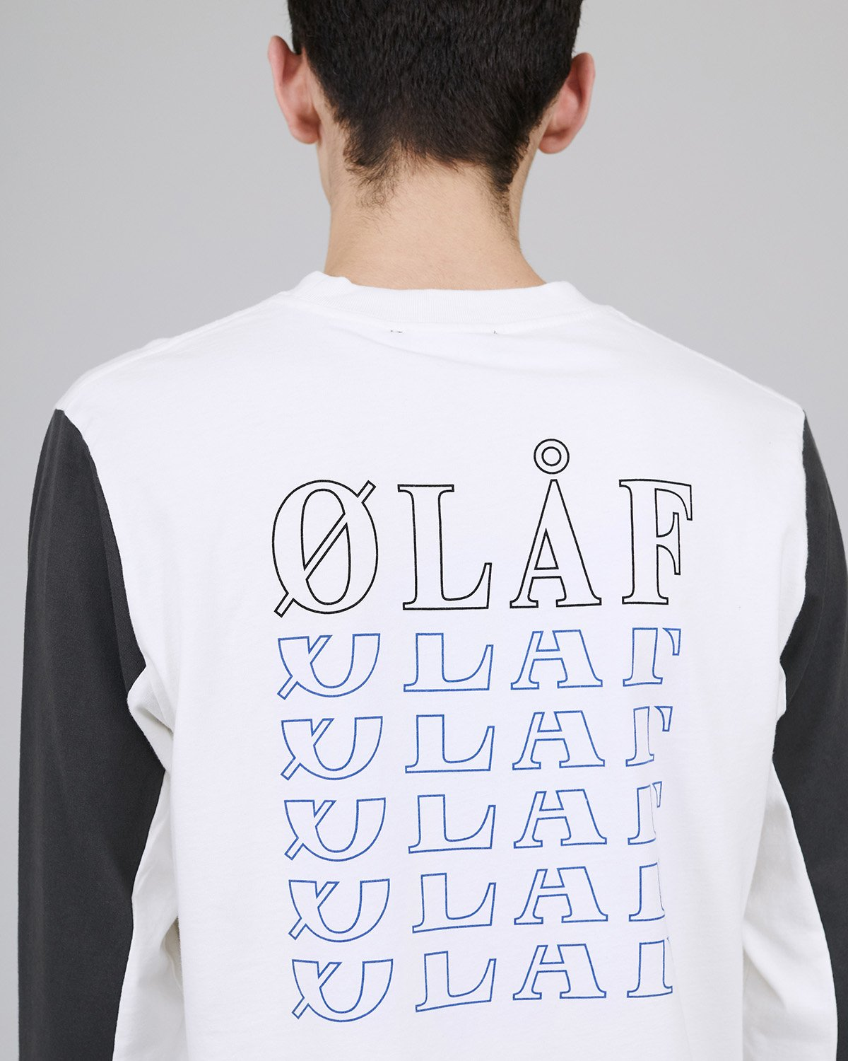 ØLÅF Triple LS White/Blue, Portuguese fabric, 100% cotton (220 grams/sqm), Post wash, Fine ribbed collar, Print on the front and back, Made in Portugal