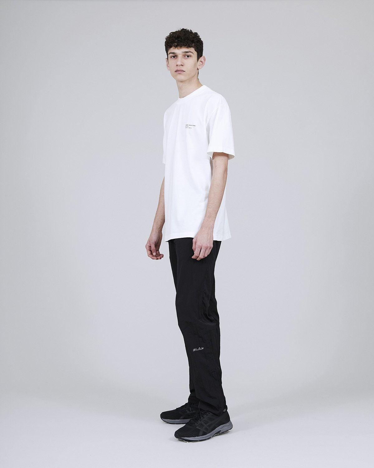 ØLÅF x Halal T - Olya Oleinic White, Portuguese fabric, 100% cotton (220 grams/sqm), Post wash, Fine ribbed collar, Made in Portugal