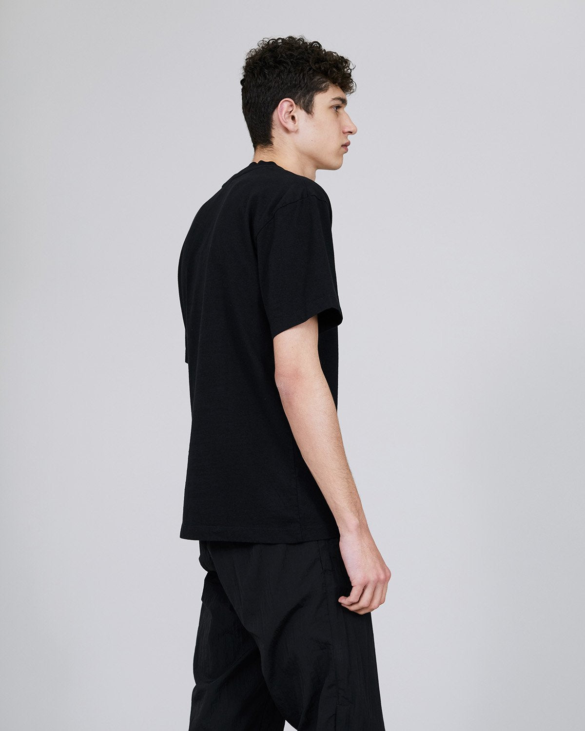 ØLÅF Worldwide T Black, Portuguese fabric, 100% cotton (220 grams/sqm), Post wash, Fine ribbed collar, Made in Portugal