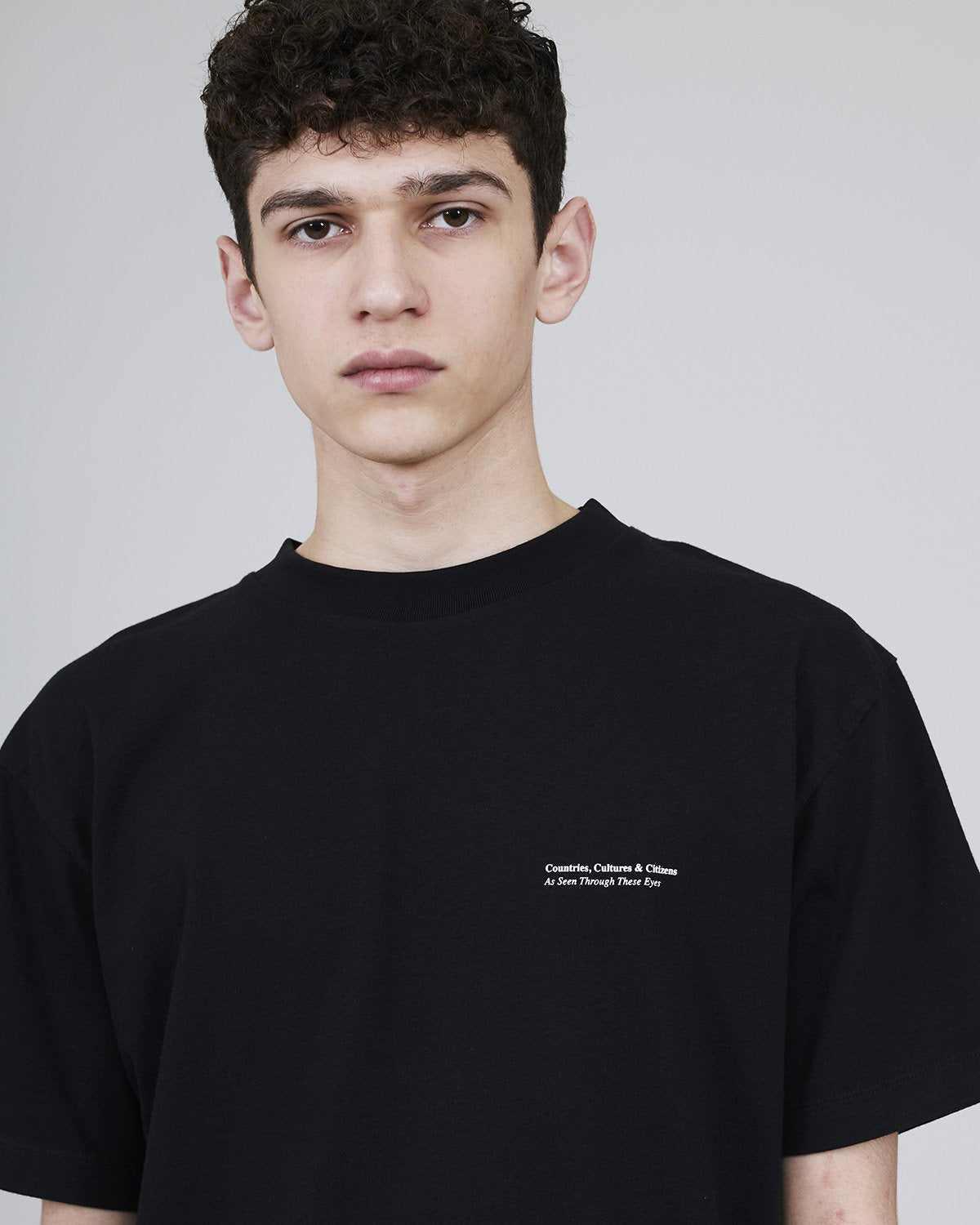 ØLÅF x Halal T - Edition 2 Black, Portuguese fabric, 100% cotton (220 grams/sqm), Post wash, Fine ribbed collar, Made in Portugal