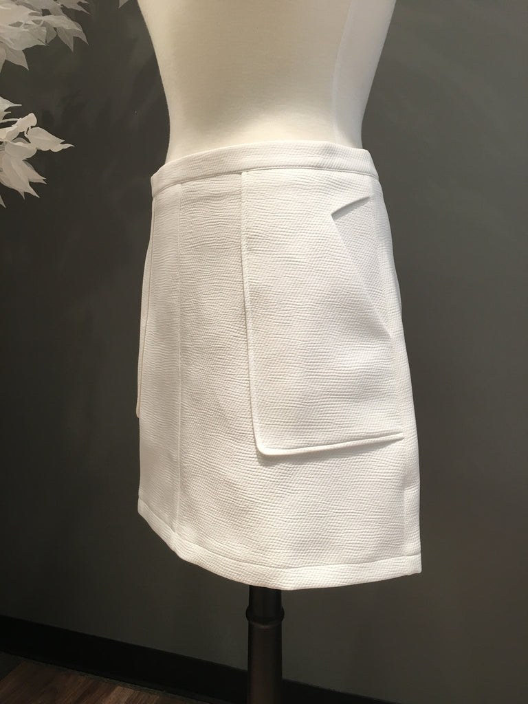 White Woven Skirt with Pockets