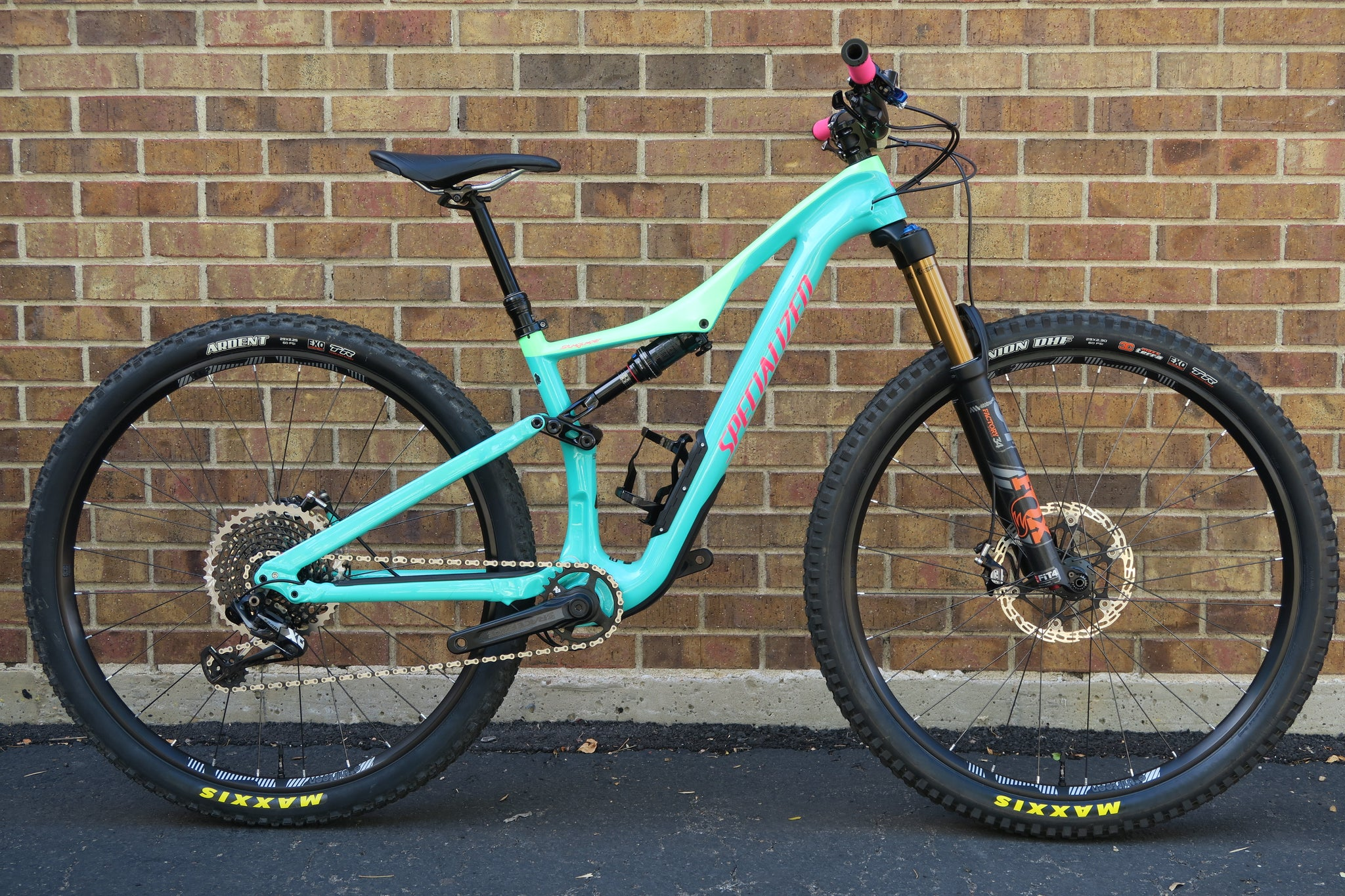 2018 SPECIALIZED STUMPJUMPER EXPERT 29""