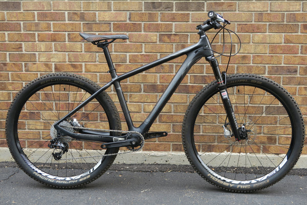 2015 FOUNDRY TOMAHAWK CARBON 27.5""