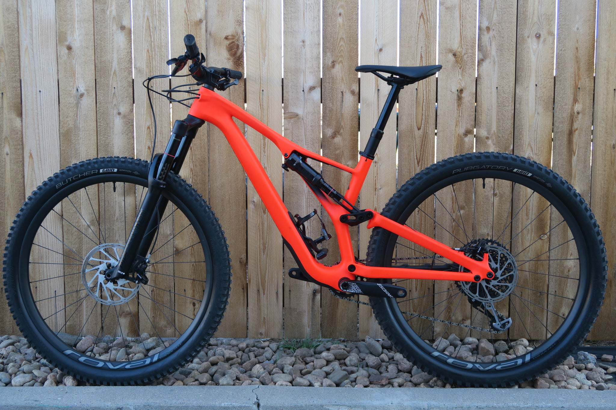 2019 SPECIALIZED STUMPJUMPER EXPERT CARBON 29""