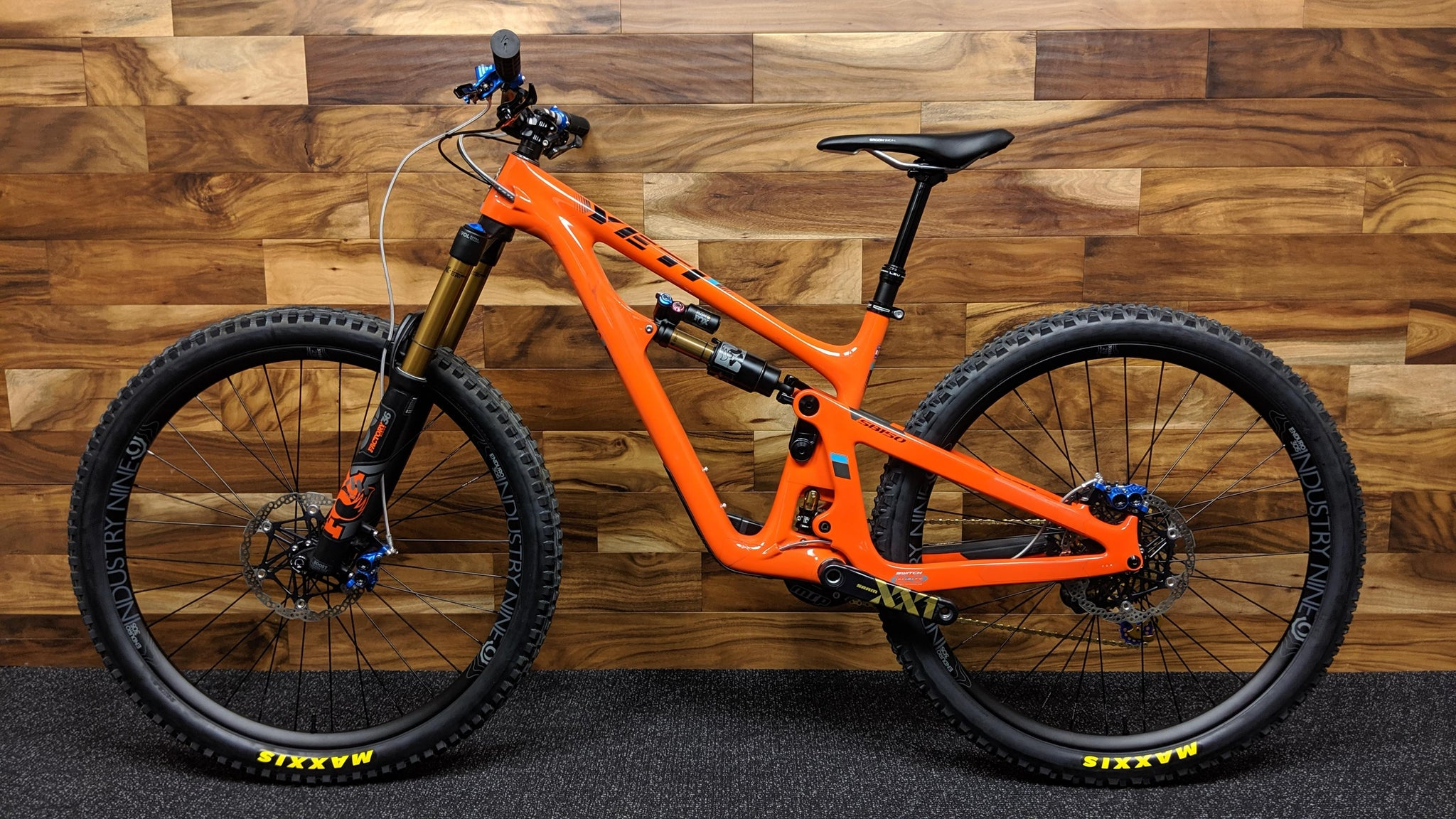 "2019 YETI CYCLES SB150 CARBON 29"" M"