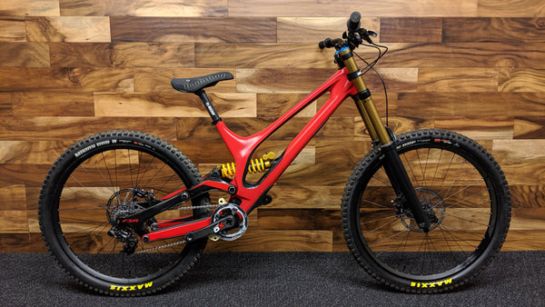 "2016 S-WORKS DEMO 8 CARBON L 27.5"" 650B FOX 40"