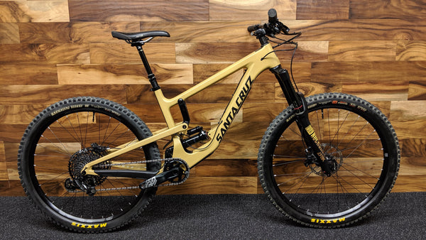 "2018 SANTA CRUZ NOMAD CARBON C XE KIT 27.5"" M"