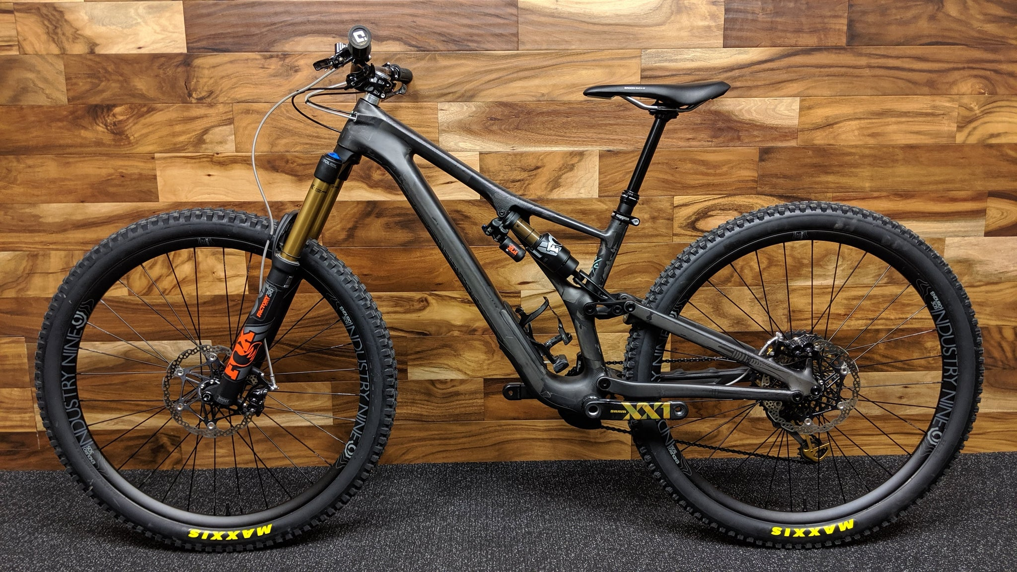"2020 SPECIALIZED STUMPJUMPER EVO PRO 29"" S2 CARBON"