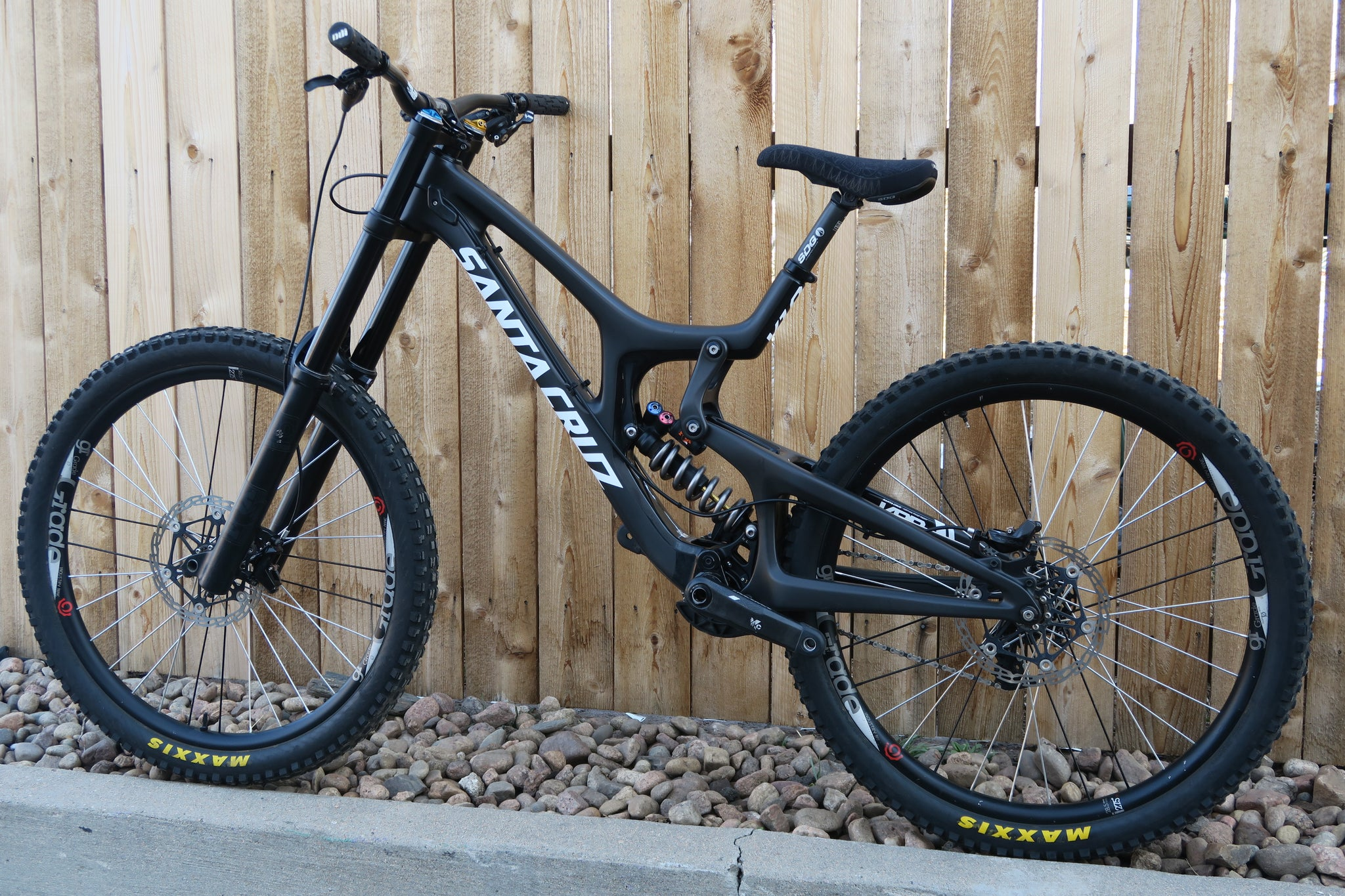 2016 SANTA CRUZ V10 CC CARBON 27.5""