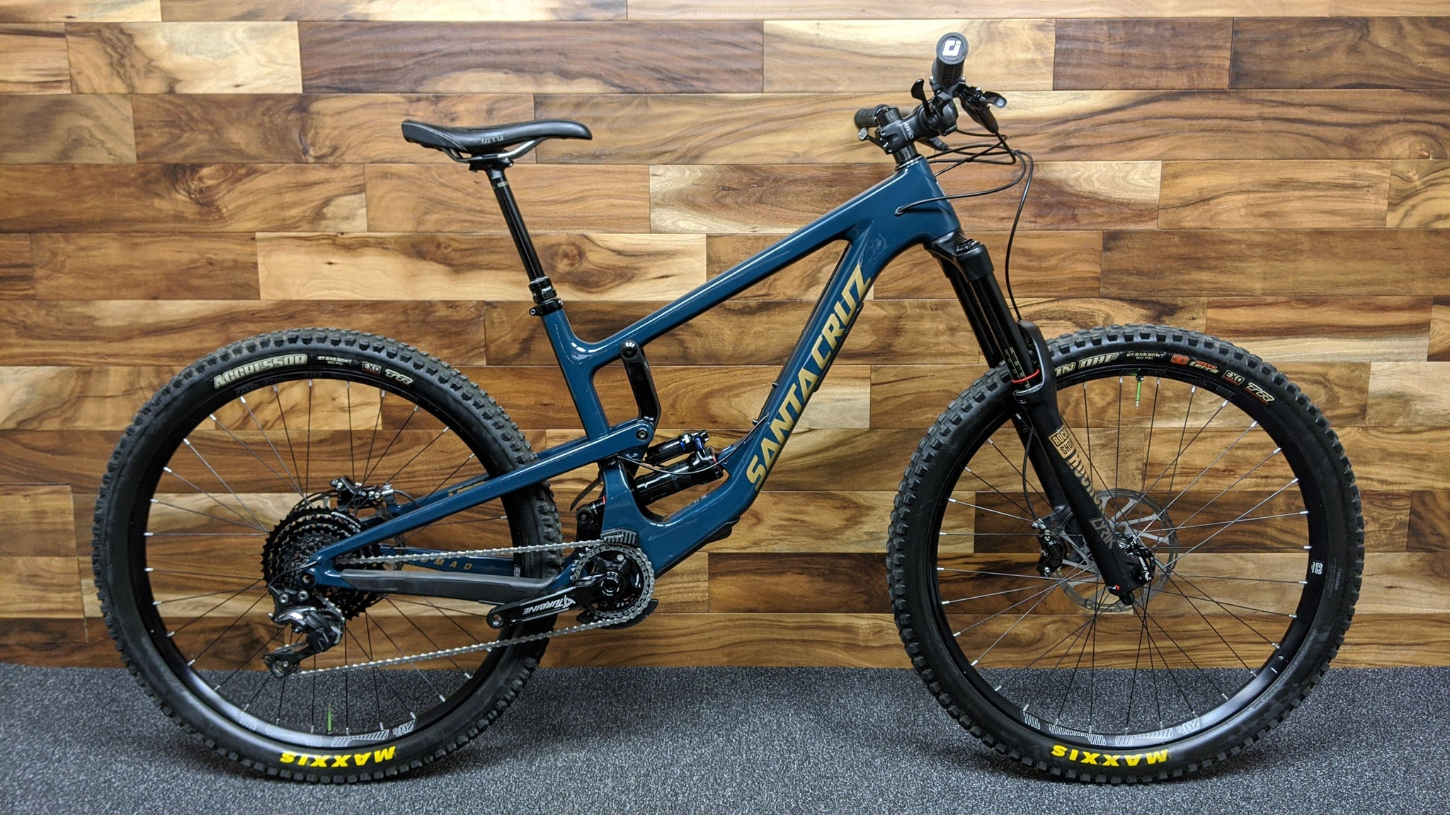 2018 SANTA CRUZ NOMAD C CARBON XE KIT 27.5""