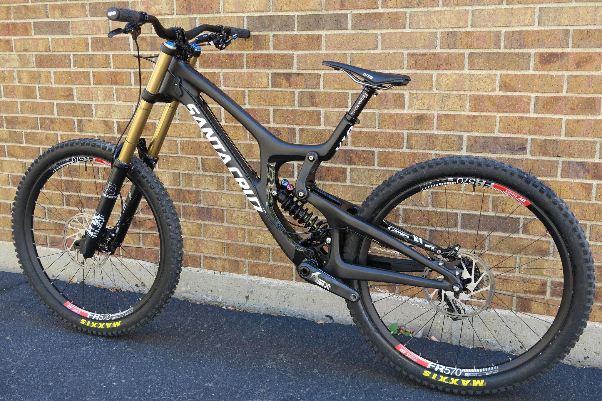 2016 SANTA CRUZ V10 CARBON CC 27.5
