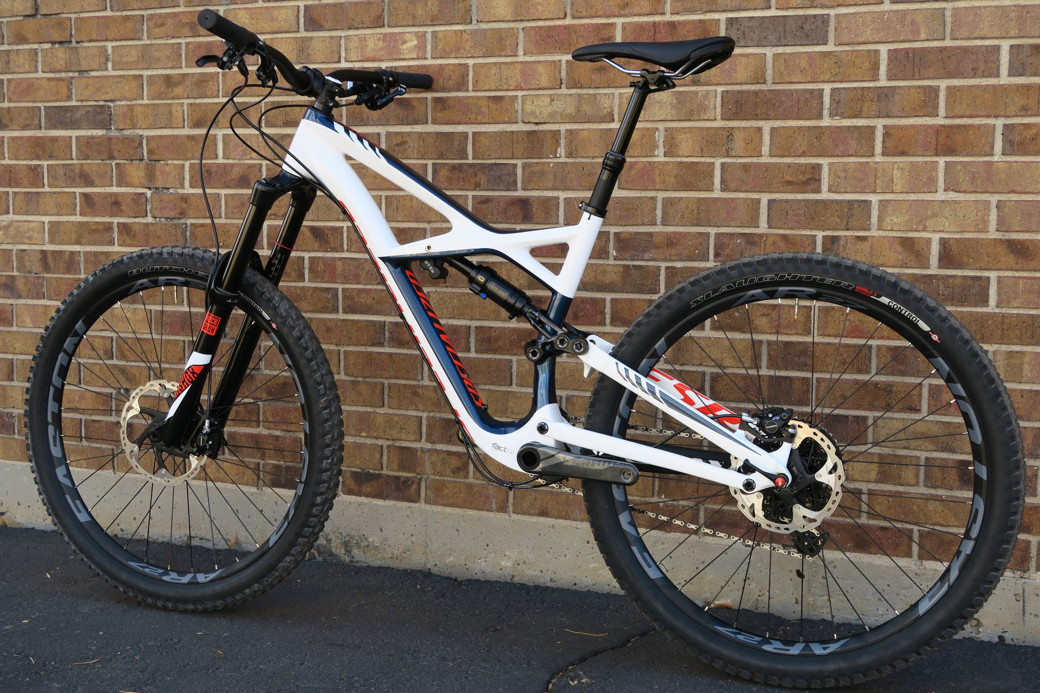 2016 SPECIALIZED ENDURO EXPERT CARBON 650B