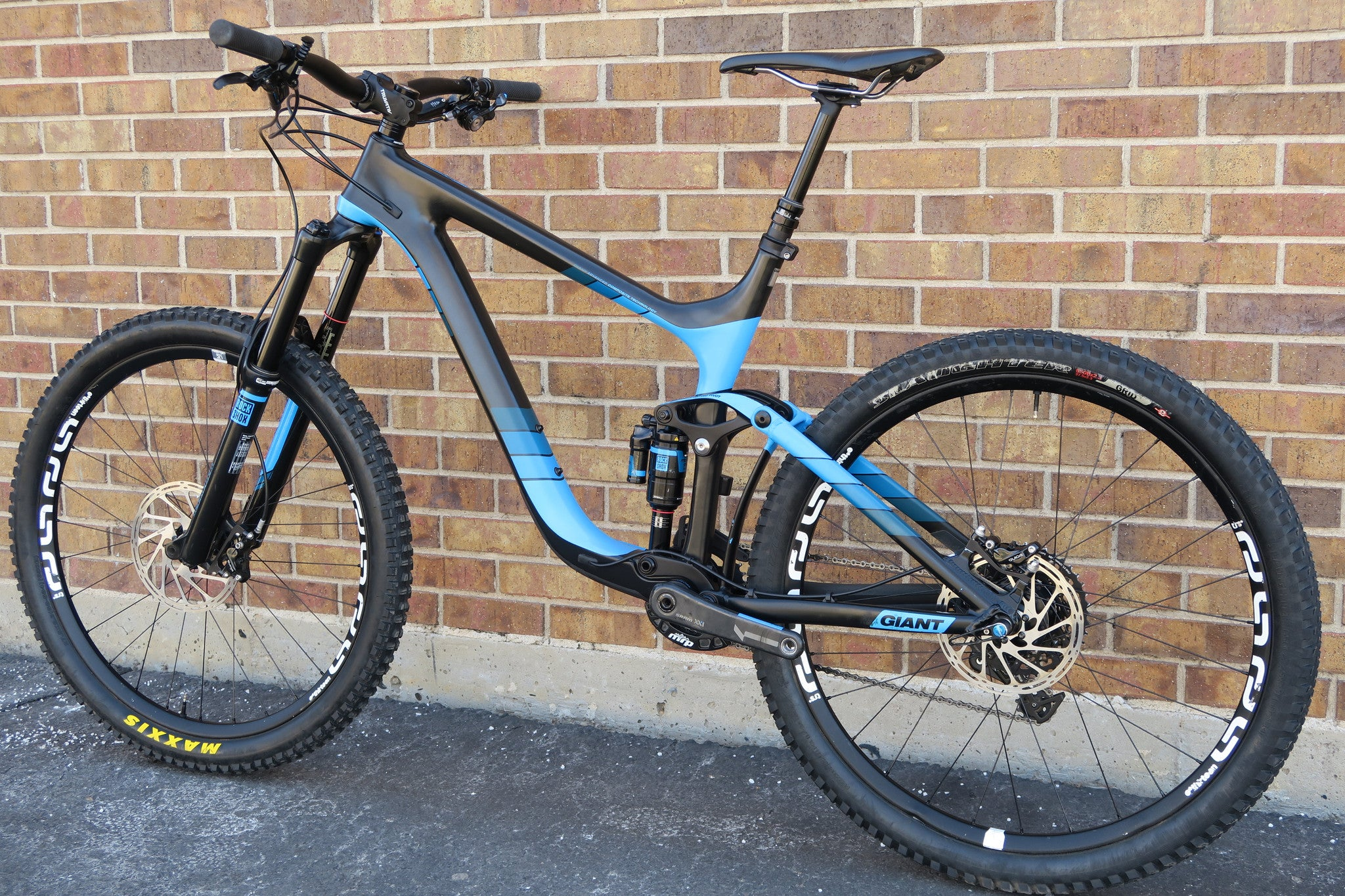2015 GIANT REIGN ADVANCED 0 CARBON 27.5