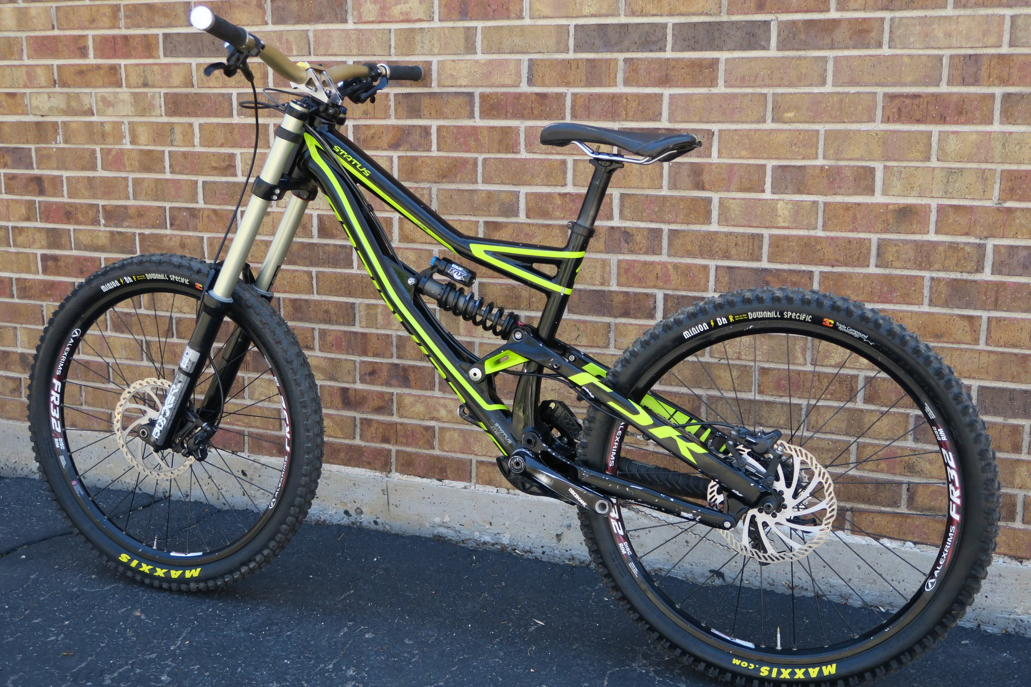 2014 SPECIALIZED STATUS II 26""