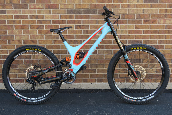 2017 SPECIALIZED DEMO 8 I CARBON 650B 27.5""