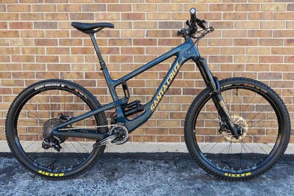 "2018 SANTA CRUZ NOMAD C CARBON S KIT 27.5"" L"