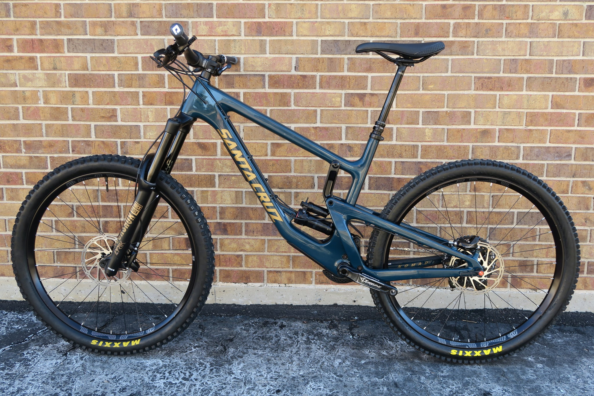 2018 SANTA CRUZ NOMAD C CARBON S KIT 27.5""