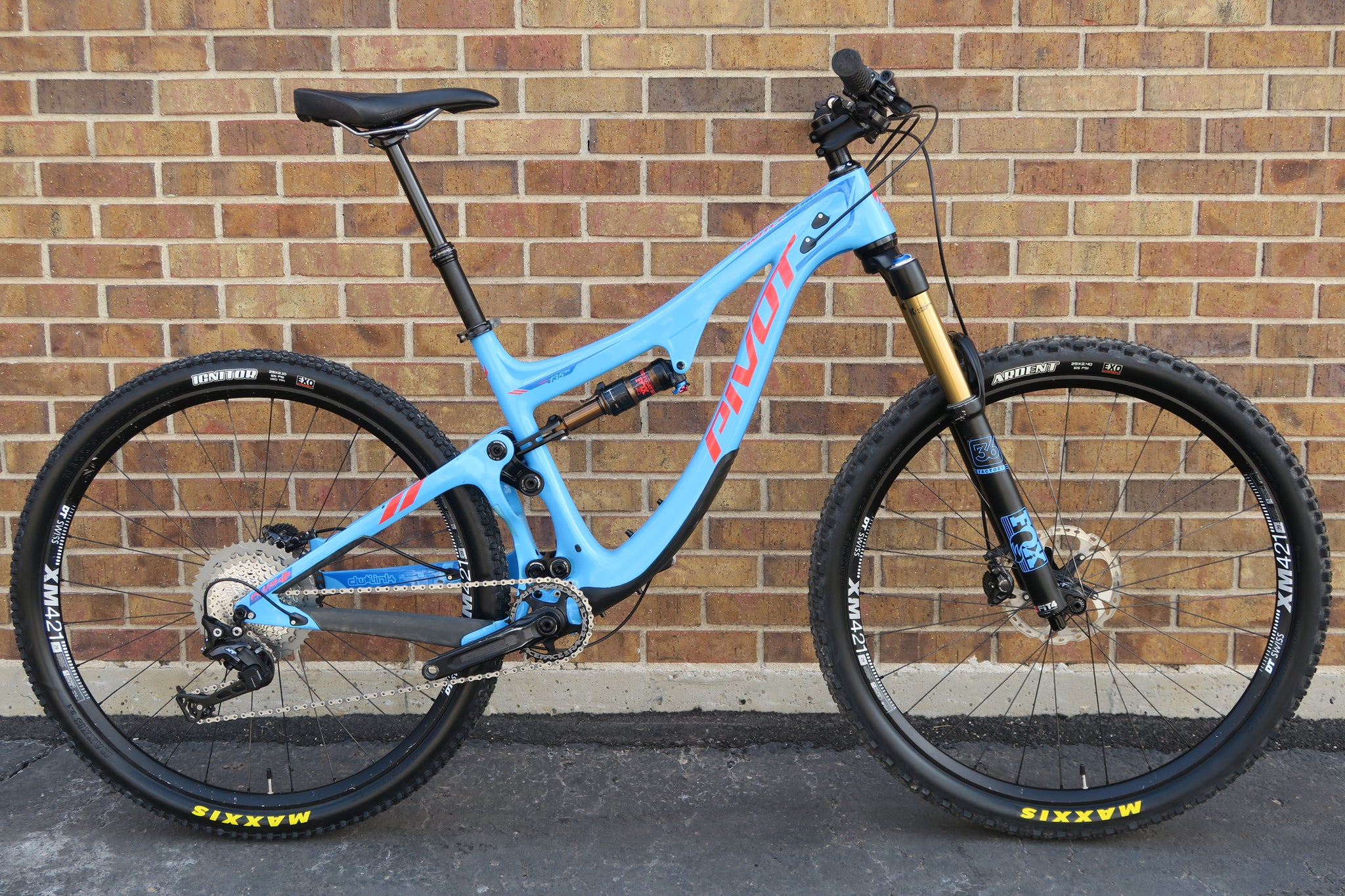 2017 PIVOT SWITCHBLADE CARBON 27.5+/29""